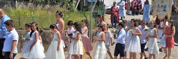 Comunhão solene em Rio Mau. Foto Manuel Araújo da Cunha