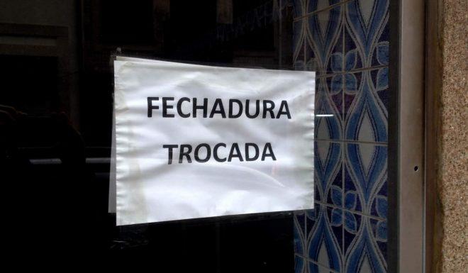 150_lugares_comuns_Fechadura trocada