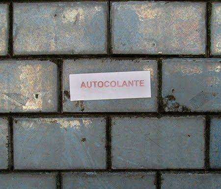 47_lugares_comuns_autocolante