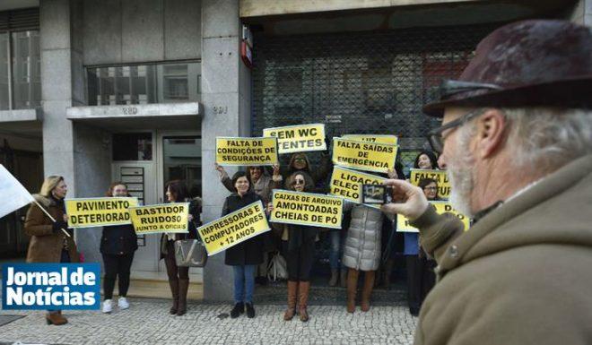 48_lugares_comuns_manifestação_registo_automovel