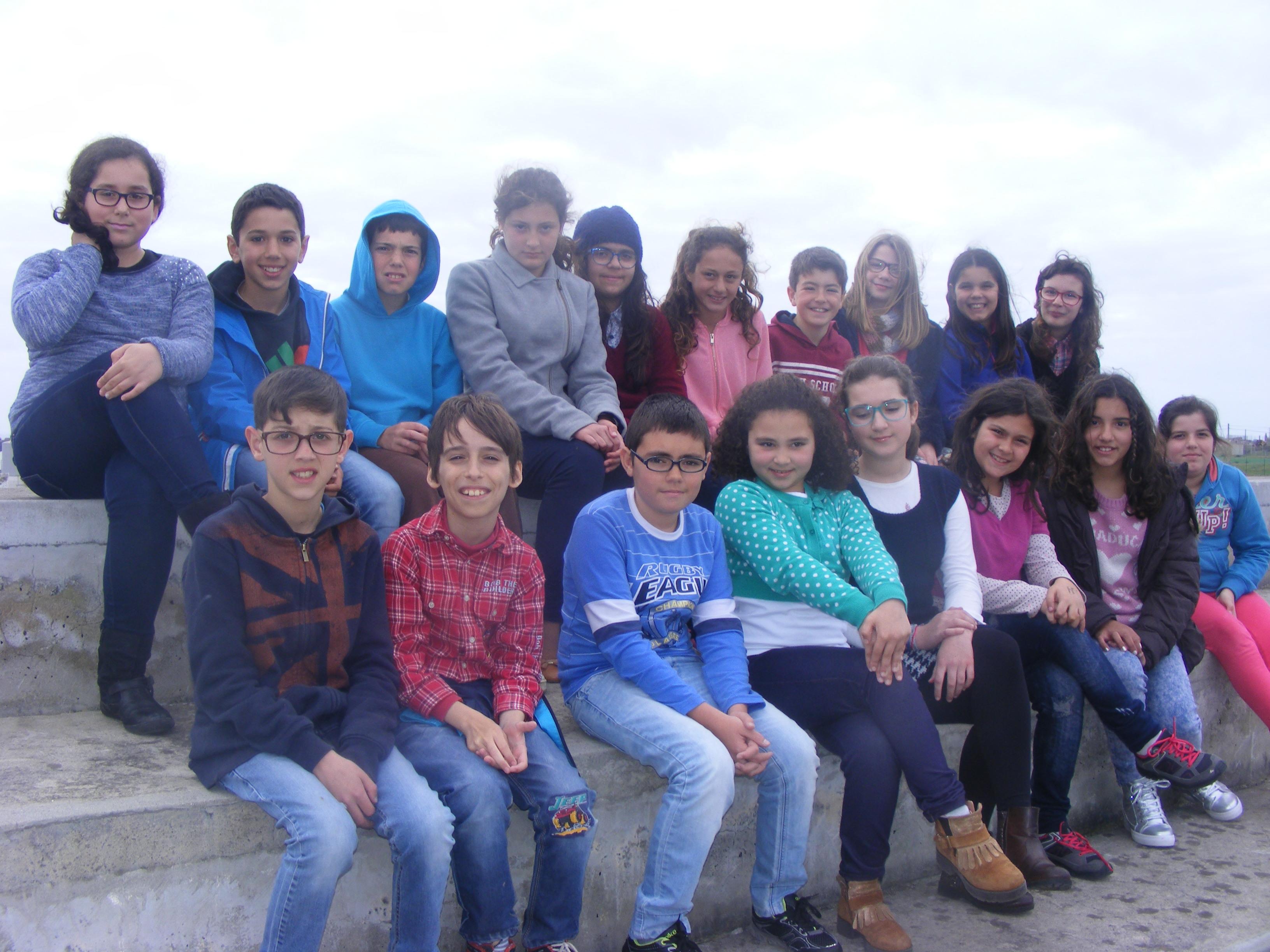 Alunos do 5.º B, da Escola Básica e Secundária Bento Rodrigues da Ilha de Santa Maria, Açores, Portugal.