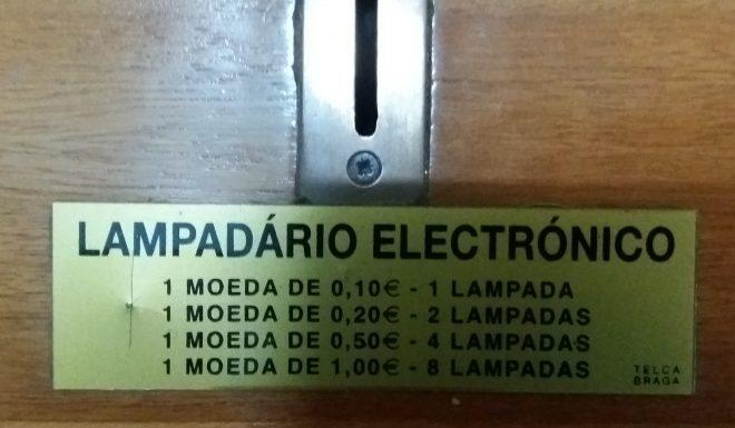 71_lugares_comuns_lampadário